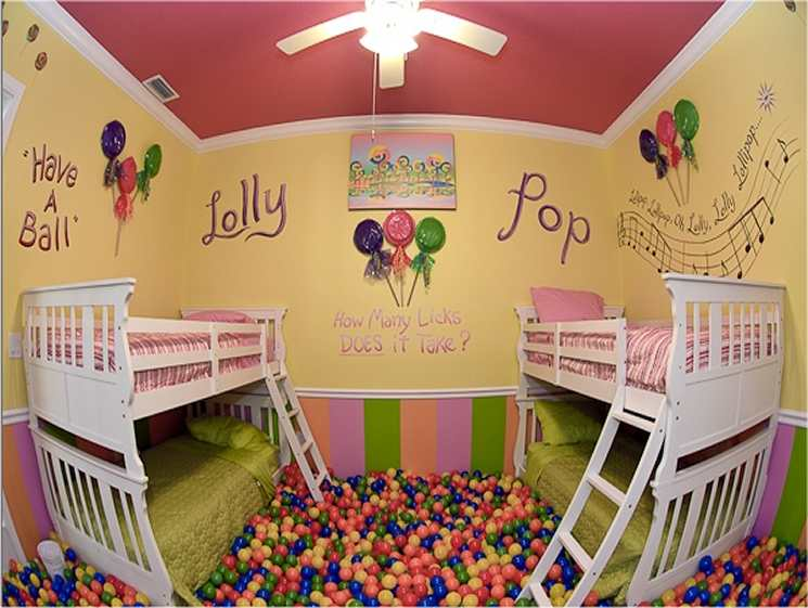 The Lollipop Bedroom and Ballpit at Sweet Escape