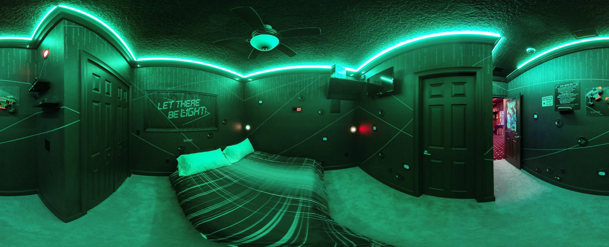 Vacation rental home for family reunions.... with laser tag - The Milky Way Galaxy Room at Sweet Escape House in Clermont FL